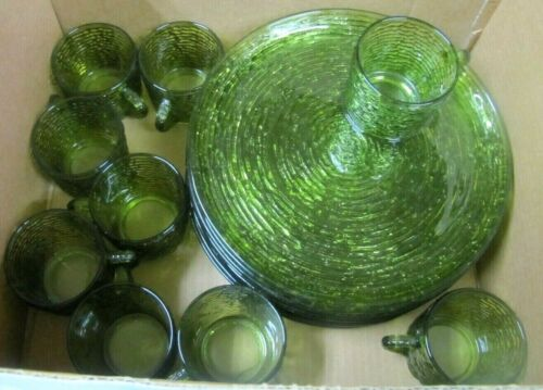 Anchor Hocking Avocado GREEN GLASS Soreno SNACK SET w 8 dinner plates/8 cups EUC
