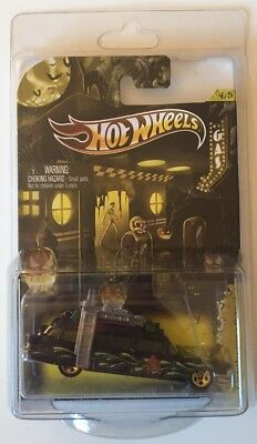 Hot Wheels 2012 Happy Halloween Ghostbusters Ecto-1 * Super Fast Shipping * 7A