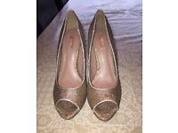Shoes - excellent condition