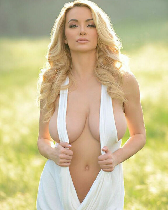 Lindsey Pelas Busty 8x10 Picture Celebrity Print