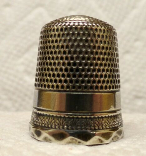 STERN  BROS. THIMBLE WITH PALMETTE BAND AND ORNATE RIM