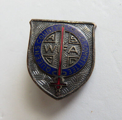 """ANTIQUE ROBBINS CO ENAMEL CANCER COMMITTIE 1"""" PIN QUEENS COUNTY NY"""