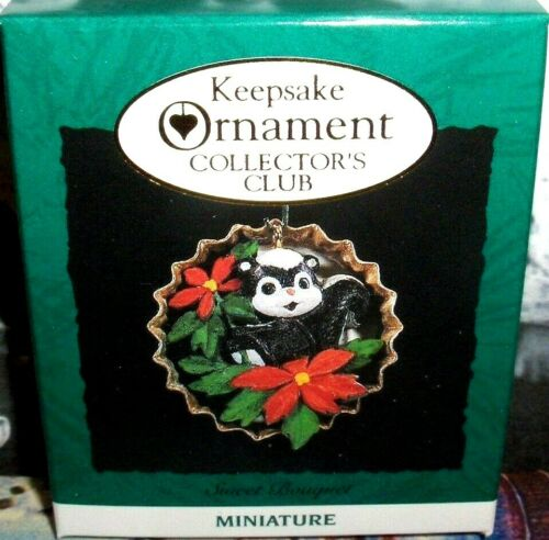 Sweet Bouquet`1994`Miniature-Skunk N Bottle Cap,Collectors,Hallmark Ornament,NEW