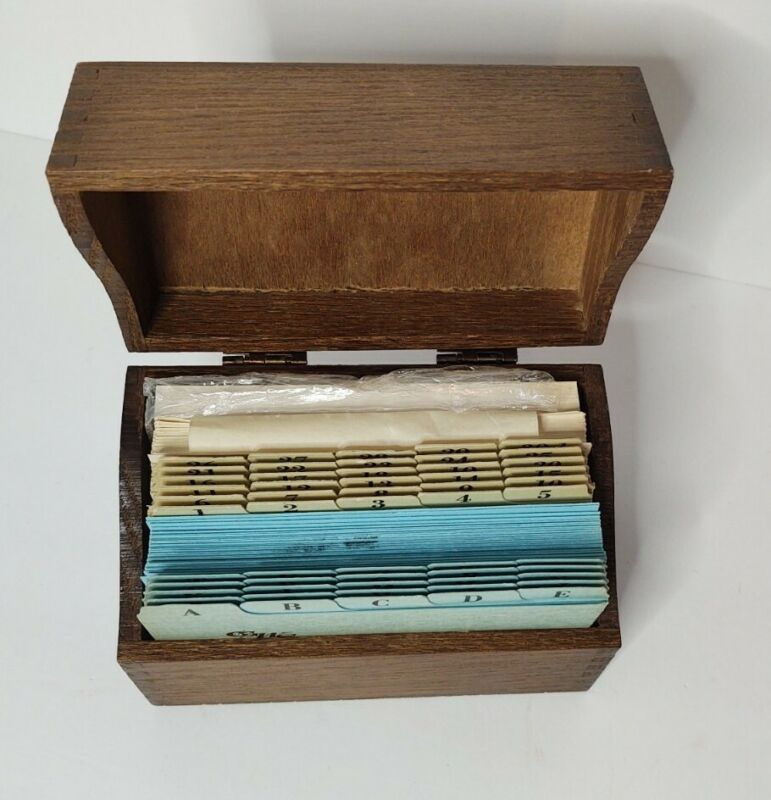Vintage Dovetailed Oak Recipe Box Wood Card File with Recipe Cards
