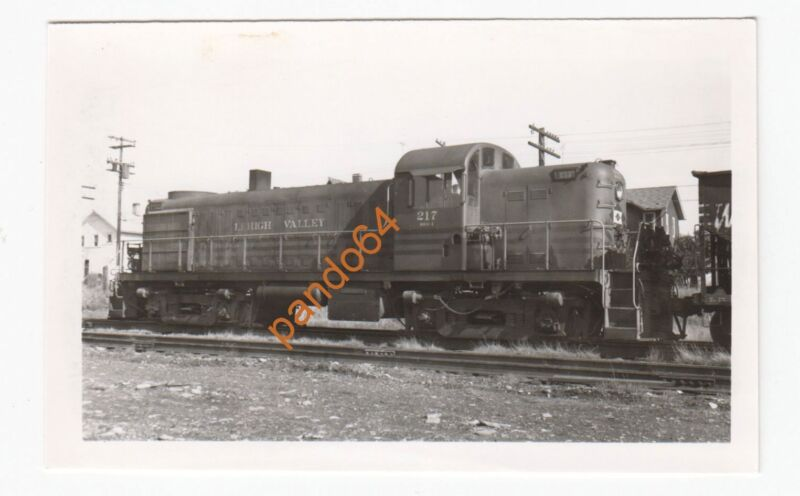 Original B&W Photograph LEHIGH VALLEY #217 Alco RS2 Diesel  TP05