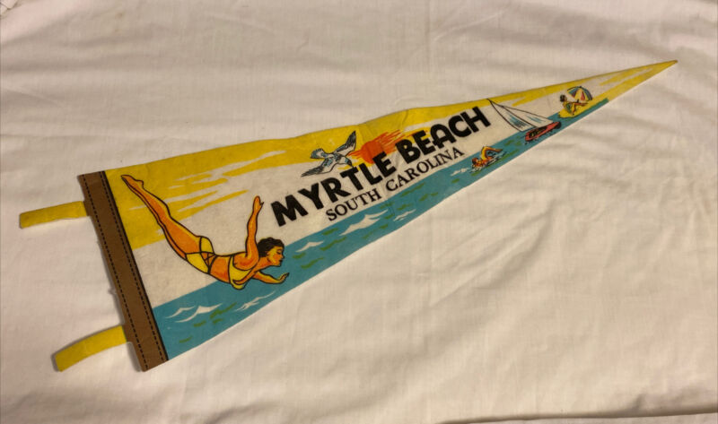 "Vintage Myrtle Beach South Carolina Felt Pennant Souvenir Flag Banner 25"""