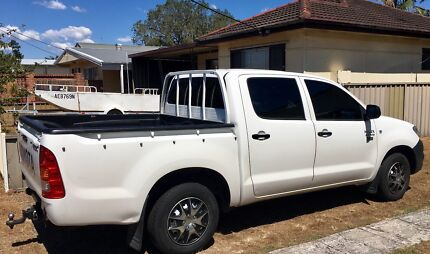 Toyota 2010 HILUX Workmate - Low kms.