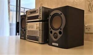 Denon Minidisc Recorder DMD-M10, CD Auto Changer Receiver UD-M5 & Miss