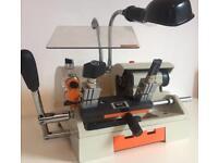 X-BOLT Key Cutting Machine