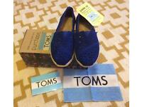Toms W6/size 5 BNIB