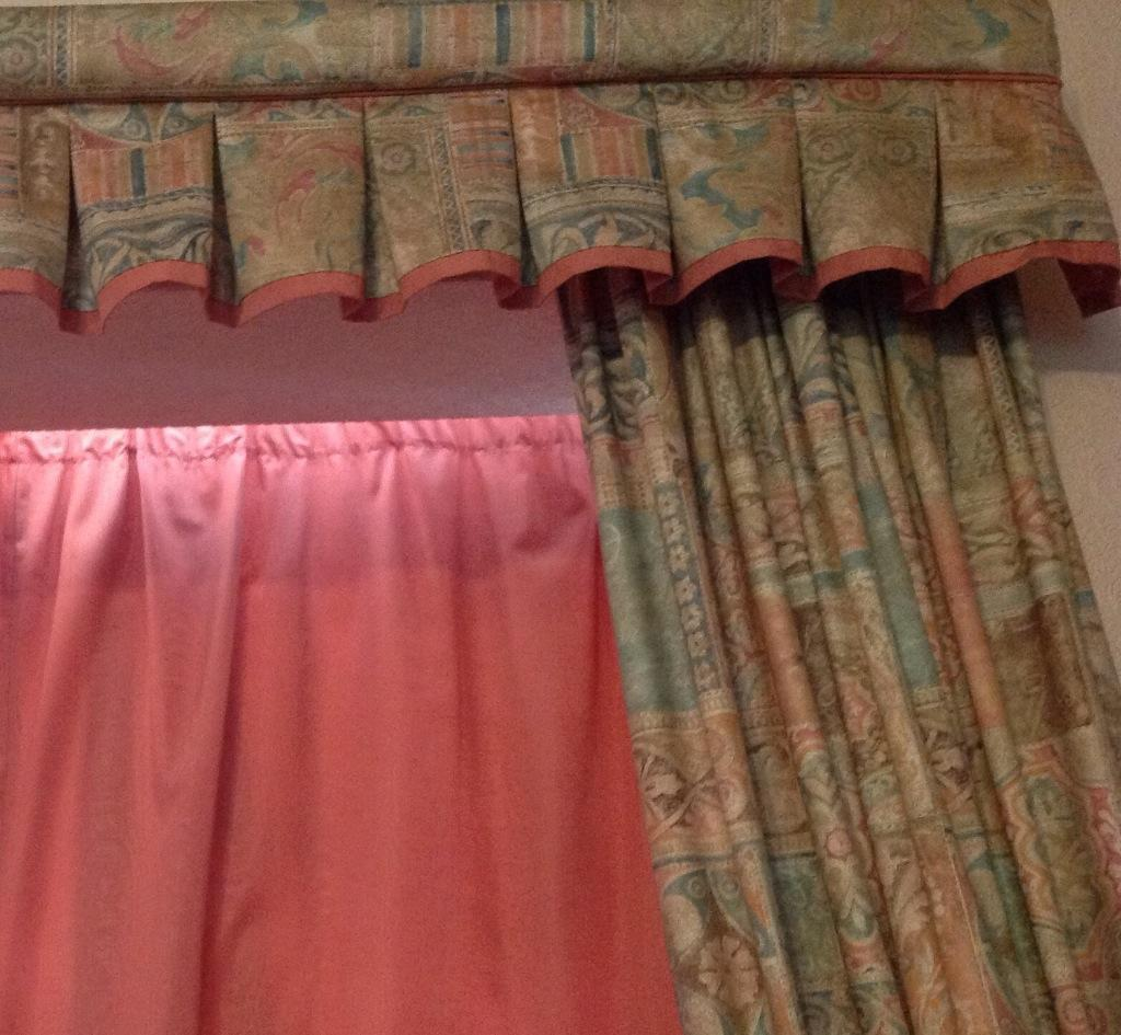 6 Pink Curtains, Tie Backs, 2 Long Pelmets, Chair Cover