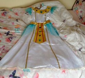 Egyptian costume for 10-12 yrs.,wore once still in good condition.