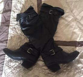 LADIES BLACK BOOTS FOR SALE