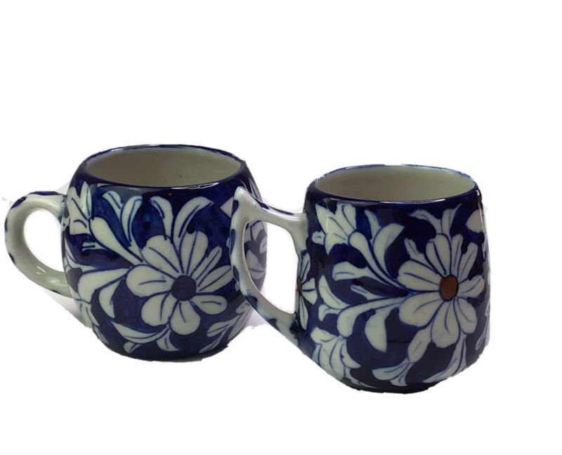 India New Delhi 1970 Pair Of Cups Coffee Tea Floral Blue White Daisys