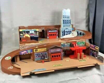 Vintage Hot Wheels Mattel CITY Sto & (N) Go Playset Fold Out -Portable 1979'