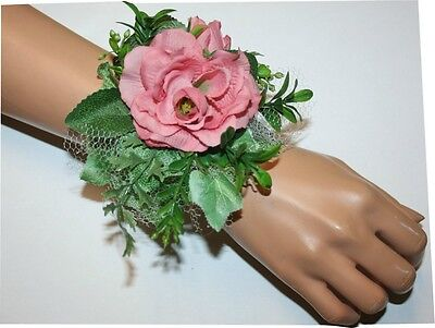 Prom, Wedding Accessories, Soft Pink Flowers Corsage, Flower Wristlet