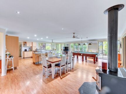 Fantastic family house for sale, vendors committed elsewhere!!!!