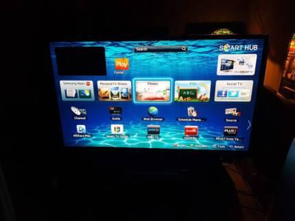 """64"""" Samsung Full 1080p H.D Series 5 Smart 3D Plasma T.V"""