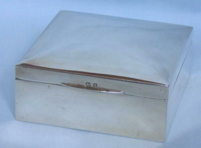 ART DECO SOLID SILVER CIGARETTE BOX BIRMINGHAM 1926