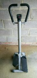 Step exercise machine