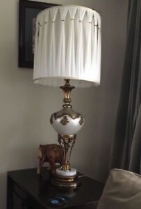 MOVING SALE LARGE SIDE END TABLE LAMP SET