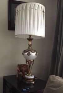 MOVING SALE SIDE END TABLE LAMP SET