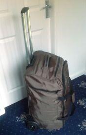Esprit Lightweight suitcase in soft, hardwearing fabric
