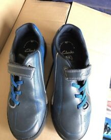 Clarks trainers - Size 2H