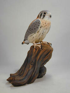 Baby-American-Kestrel-Original-Wood-Carving