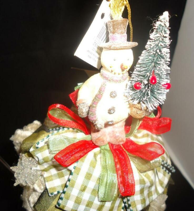 Kelly Paulk for Silvestri  Snowman w Tree Petite Tassel
