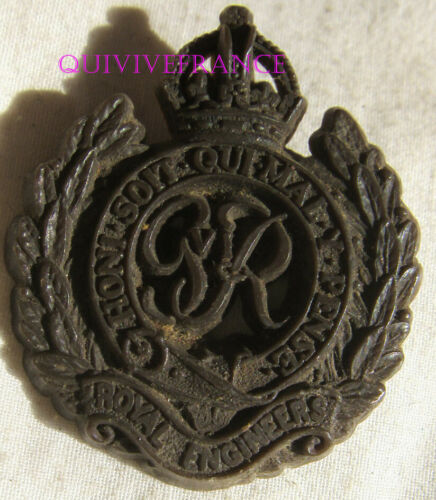 IN18824 - WW2 Economy Plastic Cape Badge To The Royal Engineers