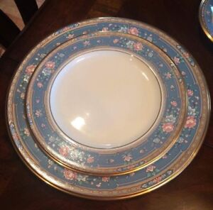 Brand new dishes - never used GREAT GIFT