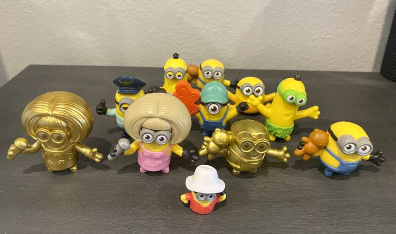 Lot of Minions | Includes 2 Gold Minions | Total Of 11 Minions!