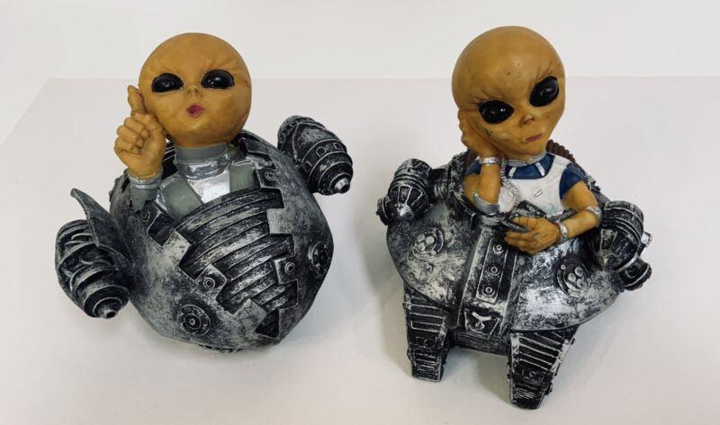 "Rare Set Of 2 Gray Alien Spacecraft 4.5 "" Inch Figure Coin Bank"