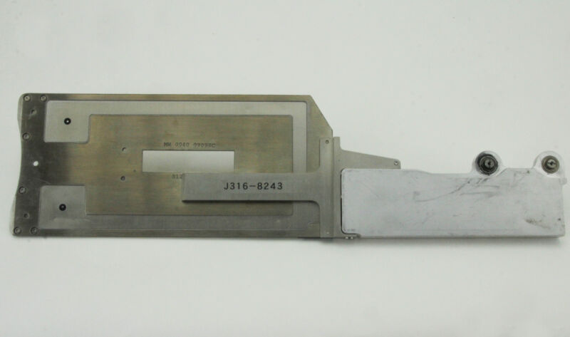 """8243 Applied Materials 5000 8"""" Robot Blade (without Cover) 0040-09098"""