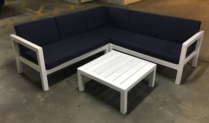 NEW FREEDOM FURNITURE OUTDOOR LOUNGE
