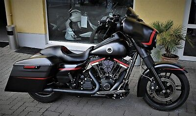 HARLEY DAVIDSON CVO 110 COSTOM BAGGER STREETGLIDE SPECIAL SCREAMING EAGLE