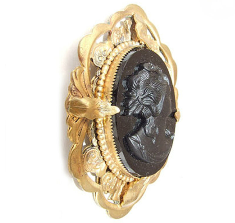 "ANTIQUE VINTAGE 3"" VICTORIAN BLACK CRYSTAL RAISED CAMEO PIN BROOCH GOLD METAL"