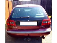 VOLVO V40 1998 1.8L Petrol Manual on sale for spare or repair, MOT expired in August Sale at £250 up
