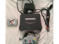 Nintengo 64 n64 with goldeneye