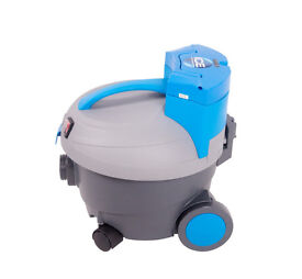 Battery Powered Vacuum Cleaner