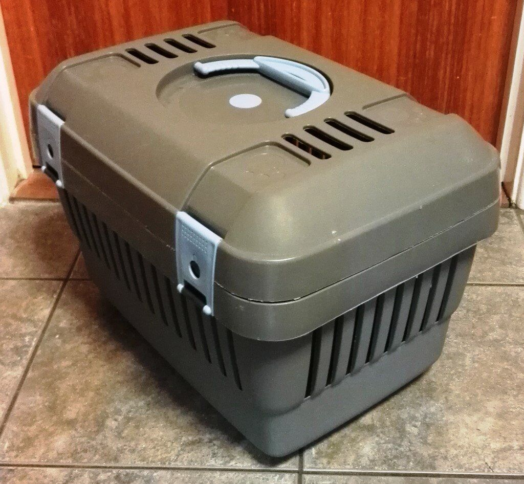 GREY PET CARRIER SUITABLE FOR SMALL DOG, CAT,