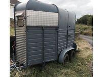 Grey Horse trailer/ rice box