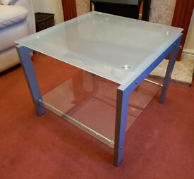 Coffee table - Side table - Lamp table: matching glass and metal living room furniture