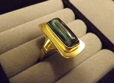 Schöner Damen Ring GELBGOLD 333 ca.18-20mm, mit grünem länglichem Stein