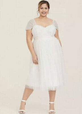 TORRID Special Occasion Wedding Ivory Dot Mesh Skater Dress Plus Size 18 2X $119 White Special Occasion Dress