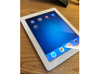 Genuine Apple IPad 2 (2nd gen) White 16GB WiFi tablet Excellent Condition