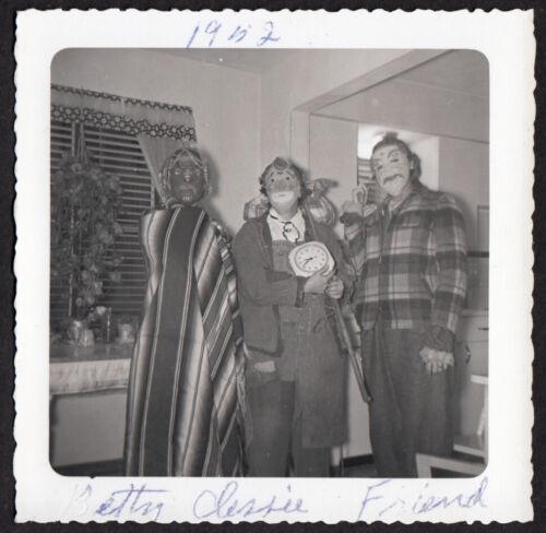 FREAK ZOMBIE TOPSTONE MASK HALLOWEEN COSTUME PARTY ~ 1952 VINTAGE PHOTO