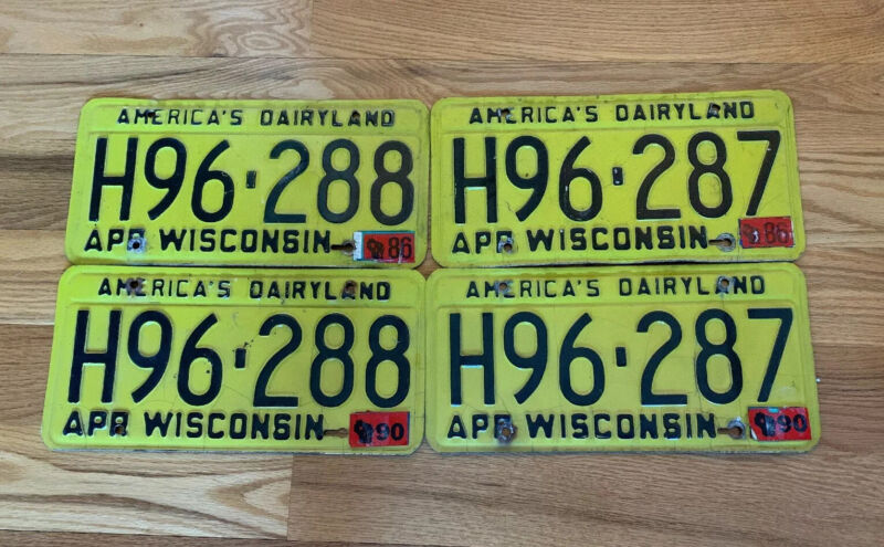 VINTAGE •2• MATCHING SETS WISCONSIN  YELLOW AMERICA'S DAIRYLAND PLATES