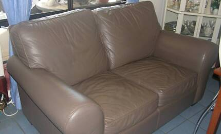 MORAN 2 Seater Leather Lounge Dunlop Belconnen Area Preview